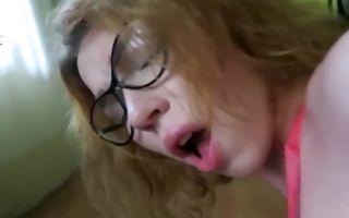 Cute brunette girlfriend in glasses gets fingered and sucks hard